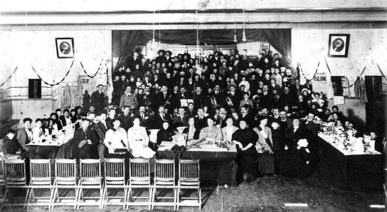 The banquet for the strikers' children inside the Hall